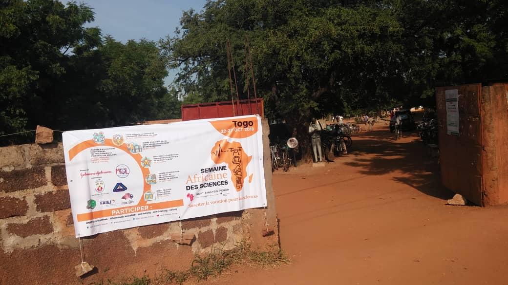 Les affiche de la Semaine Africaine des Sciences dans la ville de Dapaong